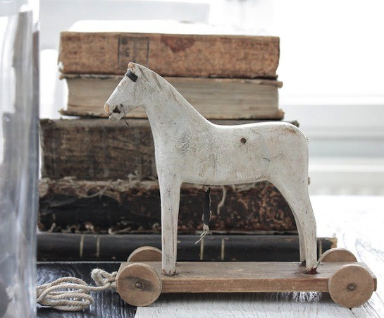 vintage-toy-horse-wooden3