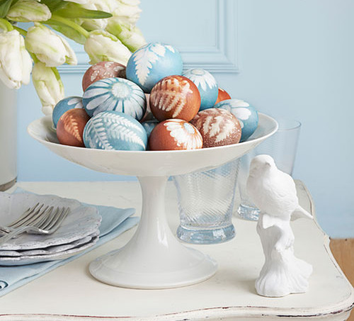 easter-eggs-decorated-with-natural-dyes