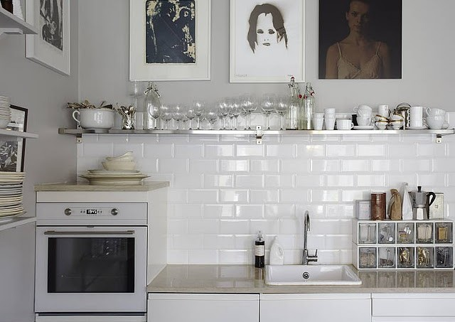 white-and-black-kitchen1