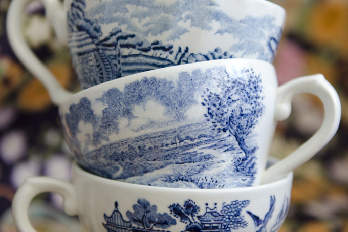 blue-china-three-tea-cups-mycreative1