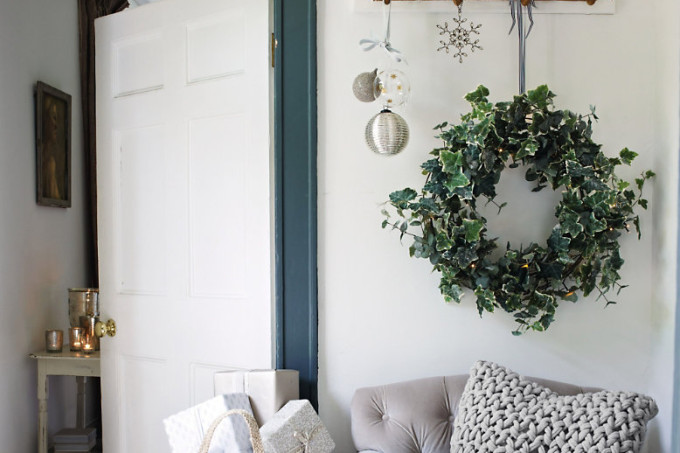 faux-ivy-christmas-wreath1
