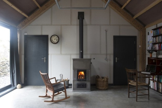 modern-barn-interior-with-woodburner-decorators-notebook-blog-via-remodelista1