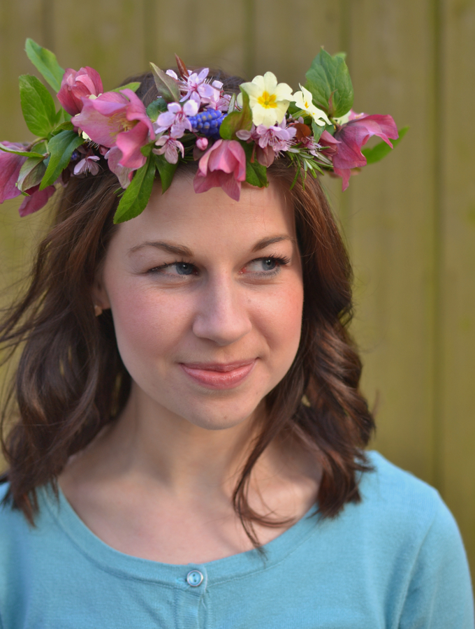 Celebrate spring by making a pretty flower crown - step by step at Decorator's Notebook blog