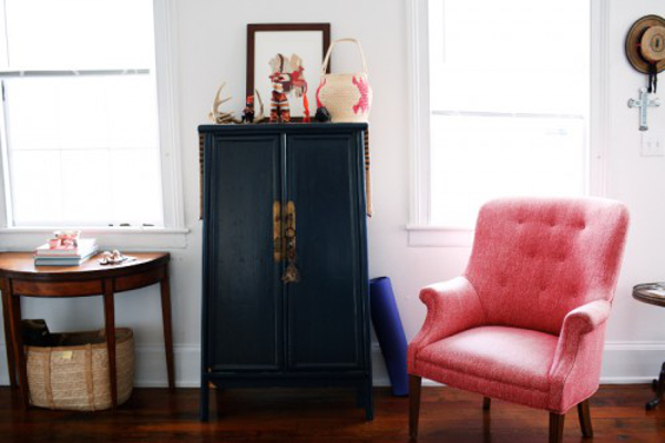 pink vintage chair in Harper Poe's home