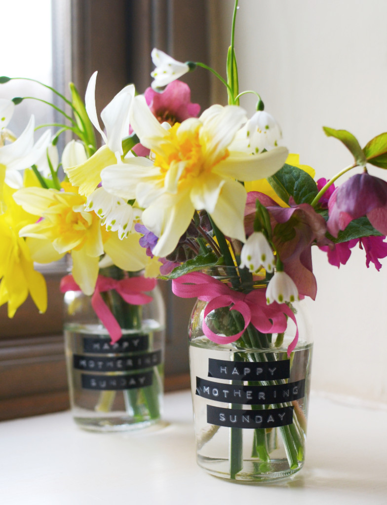 DIY mother's day brunch flower vases