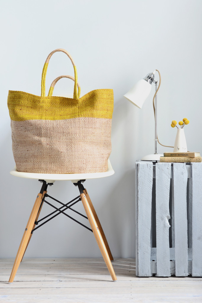 Decorator's Notebook yellow top jute bag