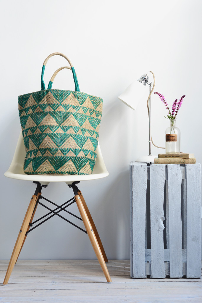 Jute_shoulder_shopping_bags_storage_baskets_fair_trade_triangles_emerald_green