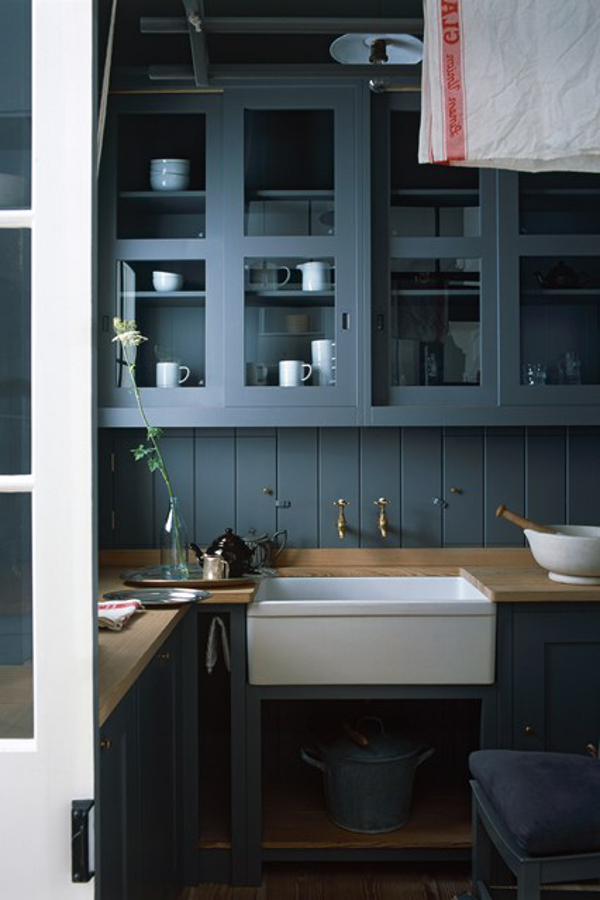 Can you really have a cosy kitchen five ideas to try for Dark blue kitchen paint