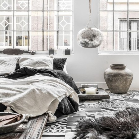 Moroccan style bedroom white
