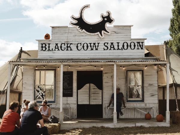 good-life-experience-festival-black-cow-saloon-bar
