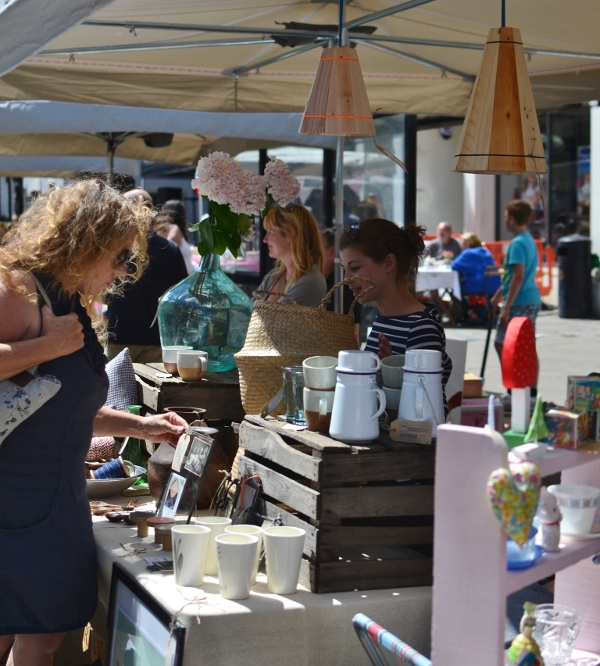 decorators-notebook-stand-at-the-frome-independent-july-2014