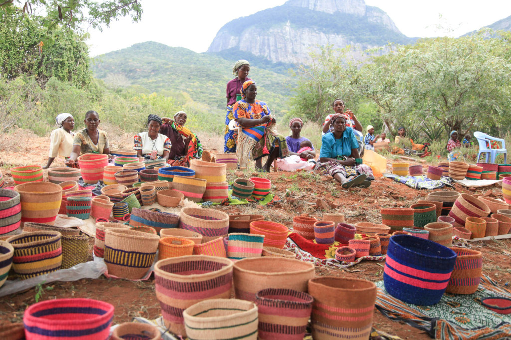 Decorator's Notebook baskets - Kenya 8